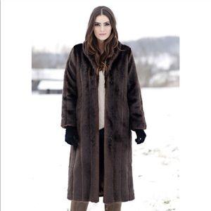 Donna Salyer coat. Fabulous Furs.